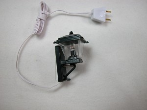 Heidi Ott Dollhouse Miniature Light 1:12 Scale Black Coach Lamp #YL2021